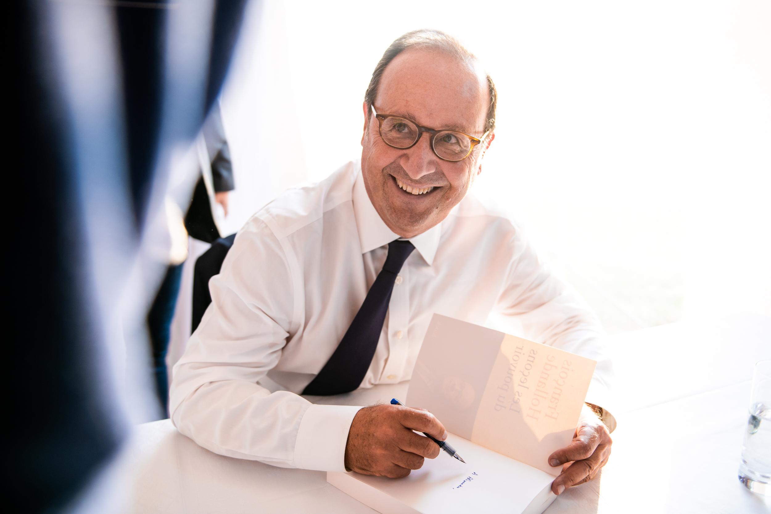 Dédicace François Hollande séminaire annuel Pitch Promotion